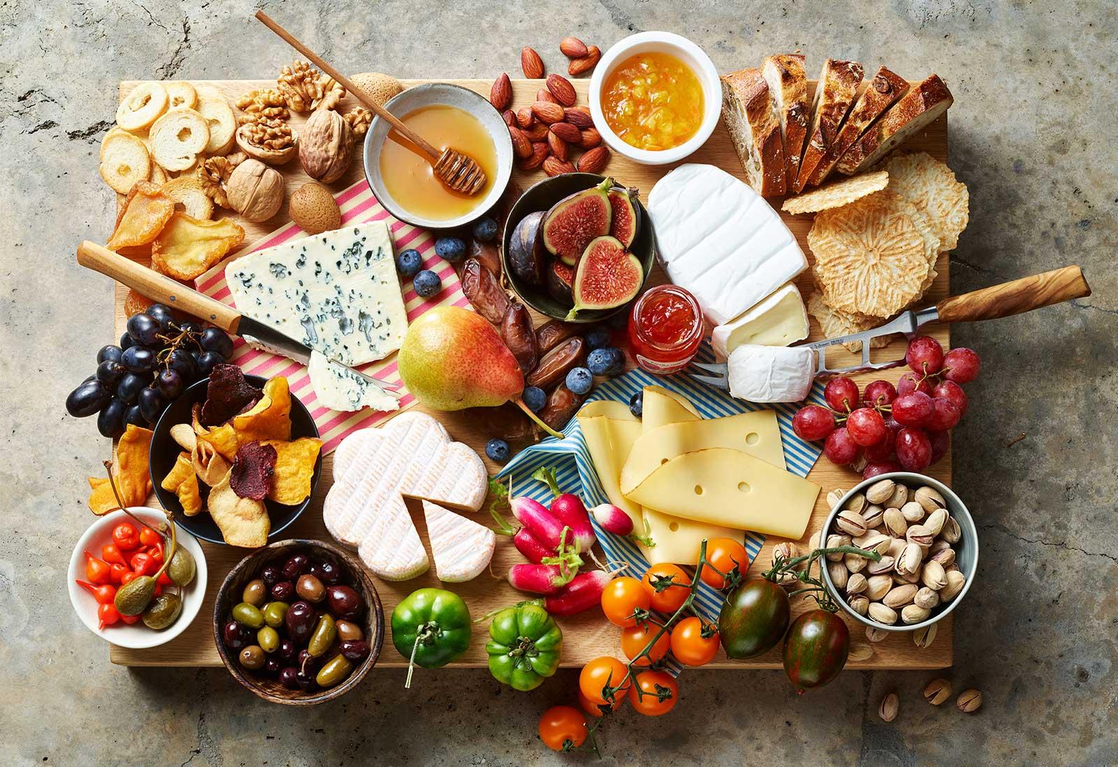 Die perfekte Käseplatte - Es kommt einfach alles auf die Platte worauf man Lust hat!