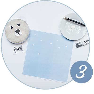DIY Anleitung für einen kuscheligen Eisbär aus leeren Käse-Schachteln.