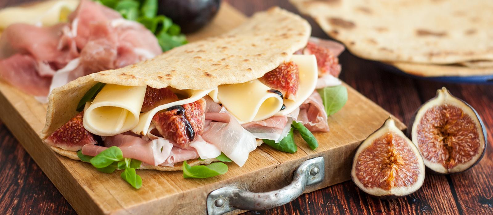 Rezept für Piadina mit Käse, Schinken und Feigen