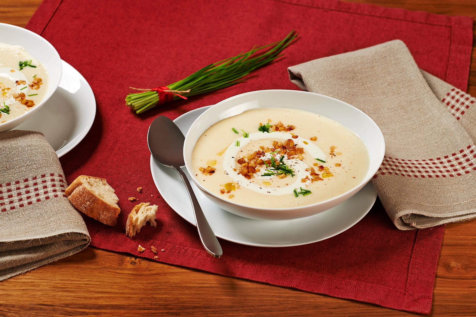 Kartoffel Käse Suppe mit Sellerie