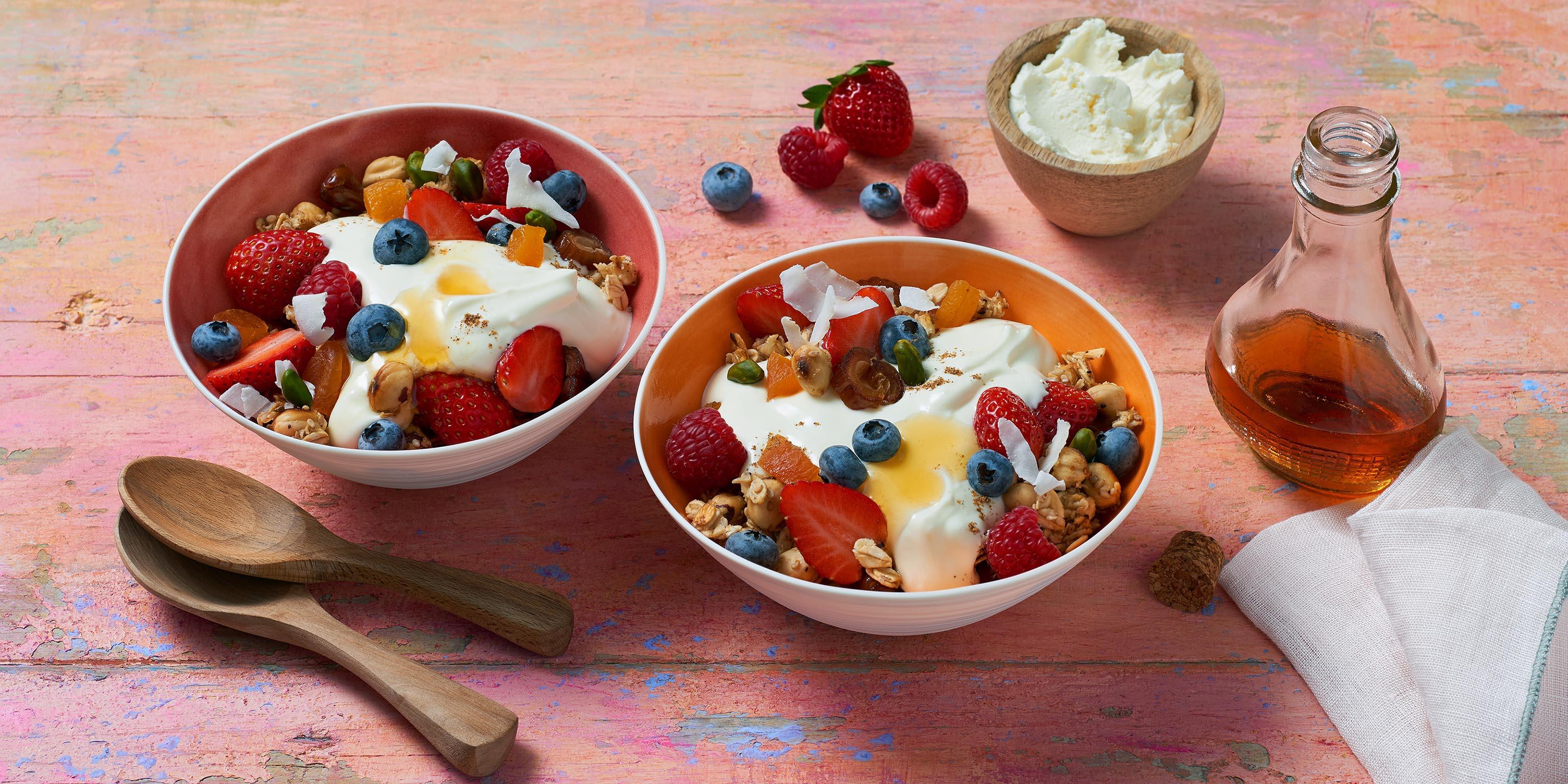 Rezept für einer fruchtige Frühstücksbowl mit BRESSO Frischkäse